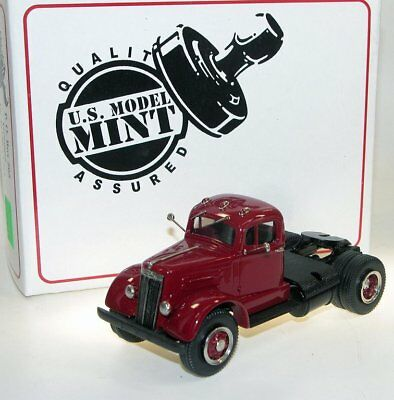 US Model Mint/Brooklin US-30 1951 White Mustang WC 22 Semi Tractor red 1/43 Mustangs Wc