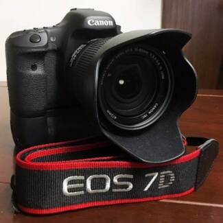 Canon 7D with 15-85mm IS Lens, BG-E7, + extra. Excellent Cond.