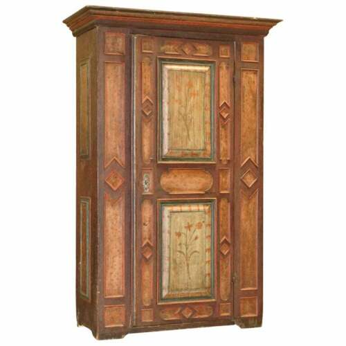 CIRCA 1800 SUMLIME HAND PAINTED EUROPEAN WARDROBE OR HALL CUPBOARD IN OAK WOOD