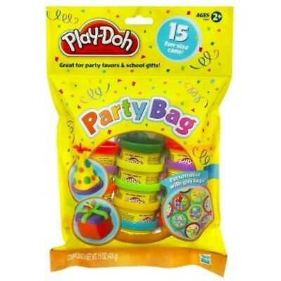 PLAY DOH PARTY BAG 15 POTS PLUS COLOURFUL STICKERS BRAND NEW