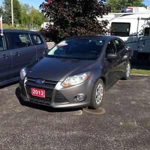 2012 Ford Focus SE with POWER GROUP