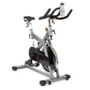 Vélo spinning vision fitness