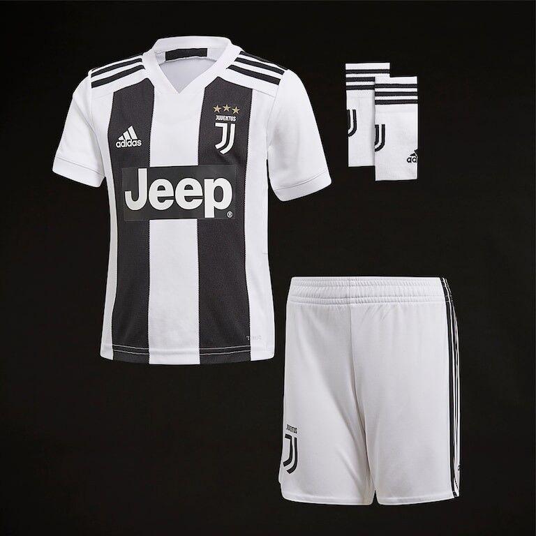 0079ca428 Ronaldo #7 Kids Juventus Kit With Shirt Shorts and Socks Kit 2018/2019 NEW
