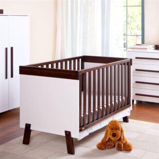 Boori cot & drawers & mattress