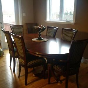 mahogany dining table with 10 chairs