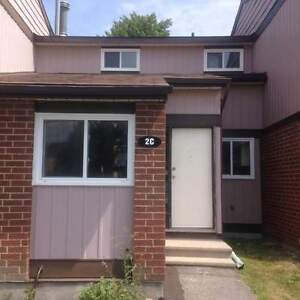 Beat the Heat! Air Conditioned Unit - 3 Bed Garden Home - 2C...