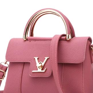 Elegant and modern style Handbag