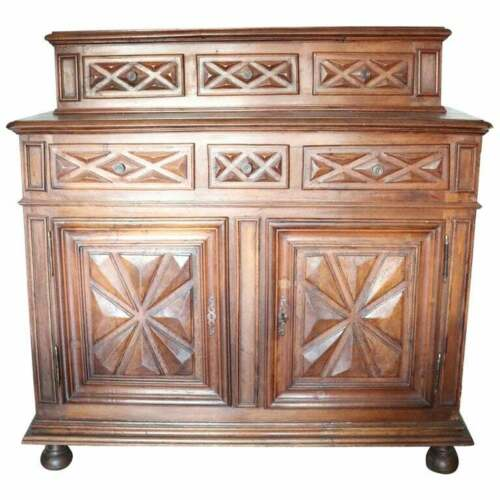 17th Century Italian Walnut Wood  Rustic antique  Sideboard, Buffet or Credenza