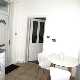Large 1 bedroom flat to Rent