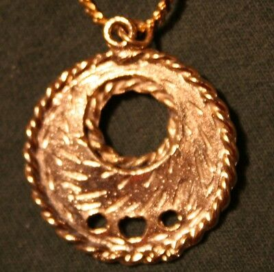 Handsome Openwork Twist Rim Circle Pendant Necklace  -