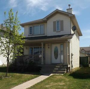 AVAILABLE IMMEDIATELY!! 3 Bedroom house in Timberlea
