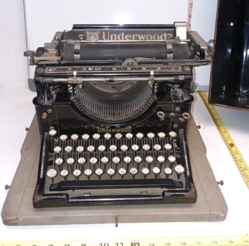 1911 Underwood No. 5 Standard Typewriter w/ ORIGINAL CASE  Serial number 403301