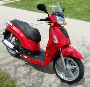 Kymco People 125cc Scooter - Excellent Condition - Asking $900