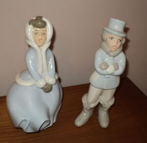 Statues Carolling Porcelain, signature 100% OBO perfect