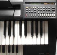Yamaha Electone ME-10 + QY10 sequencer and amp