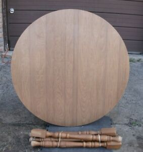 Used Round Dining Table, in very good condition