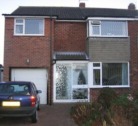Two Double and one Single Room available in shared house at university end of Fulford.