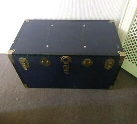 Large antique chest trunk - Oakpond
