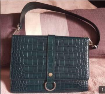 1ba6566afe30 Genuine Handbag Shoulder Burberry