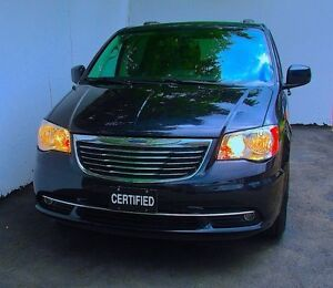 2011 Chrysler Town & Country TOURING, LIMITED Nav BackCam Leathe