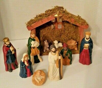 Christmas Holiday 11 pcs Porcelain Nativity Set, 10 Figures + 1 Wood Stable