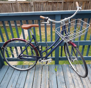 Barely Used Globe Cruiser Bicycle from Liberty!
