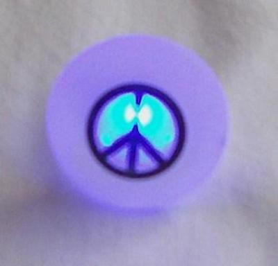 1 pcs Peace Sign Multi Color Flashing LED Blinky Ring Great Gift item Brand NEW