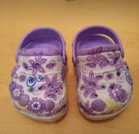 84c57a690 Baby Crocs 6-9 months p