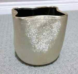 GOLDEN GLITTER VASE PLANTER POT - BRAND NEW   London Ontario image 1