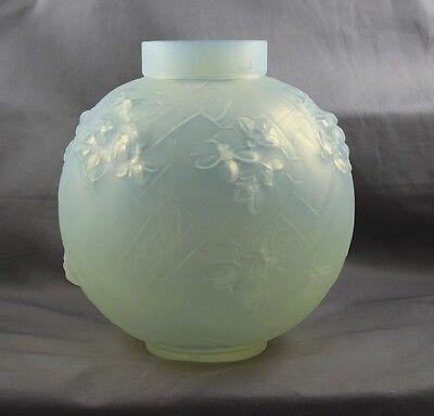 Sabino France Art Glass Art Deco Les Abeilles Beehive Vase
