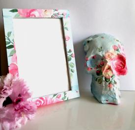 Cath Kidston Skull And frame