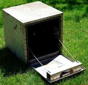 Aluminum Tool Box ---A Good Brand Name Too--Buyers