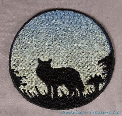 Embroidered Wild Coyote Sunrise Silhouette Ombre Circle Patch Iron On Sew On USA ()