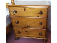 Solid pine wooden chest of drawers for sale in good condition