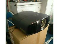 Sony 4K SXRD Video projector VPL-VW320
