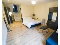 Double Bed in Rooms to rent in well-equipped and spacious 3-bedroom house in Southwark
