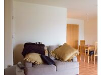 Double Bed in Room to rent in 2-bedroom flatshare with balcony and river views in Grand Canal Dock