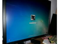 19-inch Dell E198FPb LCD Monitor