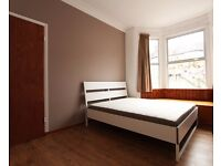 Double Bed in Rooms to rent in a 5-bedroom house in Tooting, bills included