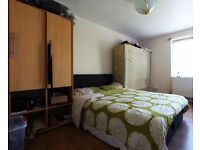 Rooms to rent in cosy and convenient 2-bedroom flat in Plaistow in up-and-coming Newham