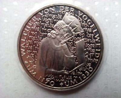 "5 DM Gedenkmünze ""750.Todest. v. der Vogelw."" in Noppenfolie 1980 ""D""  PP"""