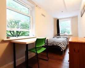 Double Bed in rooms to rent in large shared house - Ealing, London