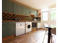 Double Bed in Rooms for rent in 6-bedroom houseshare in Maida Vale