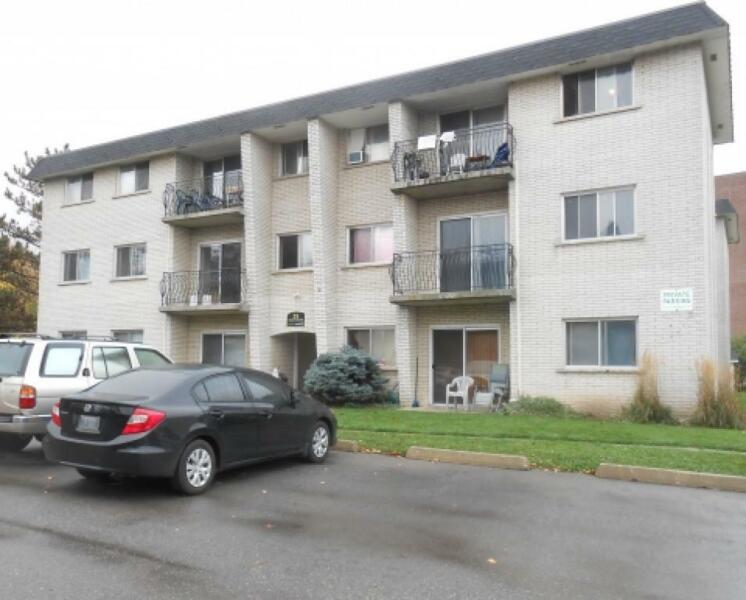 35 Mowat - 2 Bedroom Apartment for Rent | Long Term ...