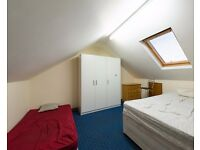 Double Bed in Rooms to rent in a furnished 4-bedroom house in Seven Sisters