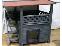 NEW CATS/KITTENS/SMALL/TOY DOG PLAYHOUSE/KENNELenclosed den & covered decking area,waterproof roof