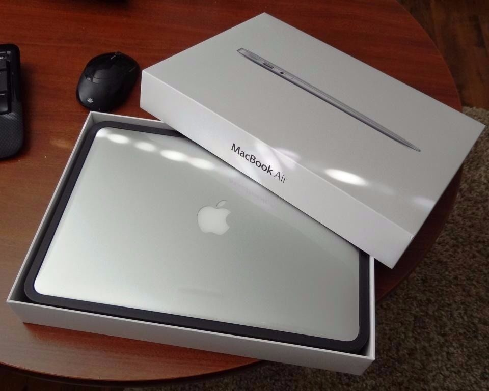 """Macbook AIR 2014i54GB128GBMicrosoft office 2016adobe csin Islington, LondonGumtree - Macbook Air 2014 13"""" i5 processor 4GB Ram 128 GB SSD CHECKMEND AND POLICE REPORT PROVIDED OS El Capitan the latest one . Completely Installed with the following software (NEW) Logic Pro X 10.2.1 (NEW) Traktor Scratch Pro 2 (NEW) Cubase 8 (NEW)..."""