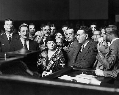 Mae West Film Actress In Court In 1928   8X10 Publicity Photo  Aa 584