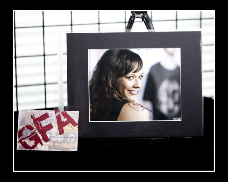 Rashida Jones *Parks and Recreation* Signed Auto 8x10 MATTED Photo COA GFA
