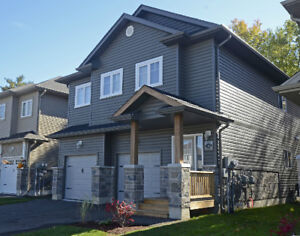 3BR Executive Suite - Fergus- AVAILABLE MARCH